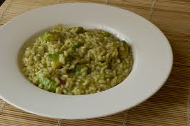 Risotto con semi di canapa dell'avocado