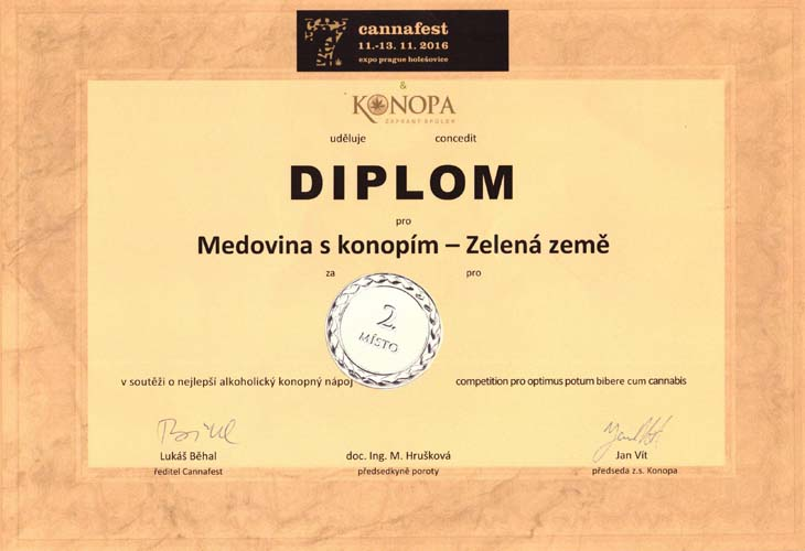 2016 2misto Konopna Medovina